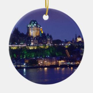 Ornamento de Quebec de la noche del castillo de Fr Adornos