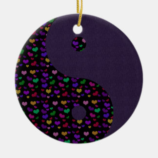 Ornamento de Yin Yang de los corazones del arco Adorno Redondo De Cerámica