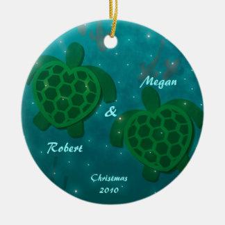 Ornamento del amor de la tortuga adorno redondo de cerámica