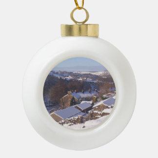 Ornamento del árbol de navidad del henar adorno de cerámica en forma de bola