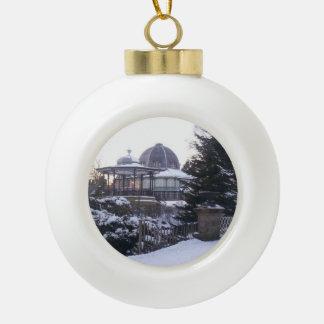 Ornamento del árbol de navidad del teatro de la adorno de cerámica en forma de bola
