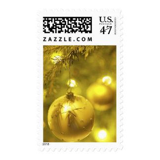 Ornamento del árbol del día de fiesta del oro sellos postales