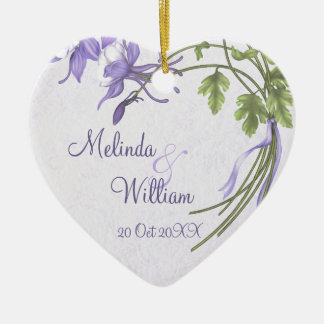 Ornamento del boda del ramo de Columbine Adorno De Cerámica En Forma De Corazón