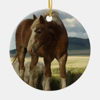 Ornamento del caballo de proyecto adorno navideño redondo de cerámica