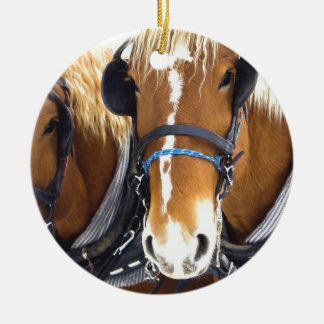 Ornamento del caballo de proyecto de Clydesdale Adorno Navideño Redondo De Cerámica