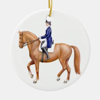 Ornamento del caballo del Dressage de la castaña Adorno Navideño Redondo De Cerámica