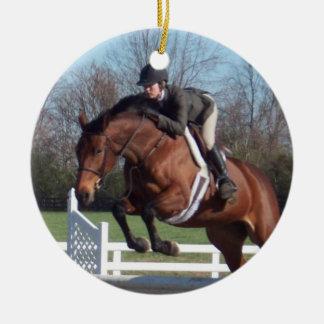 Ornamento del caballo del puente del cazador adorno navideño redondo de cerámica