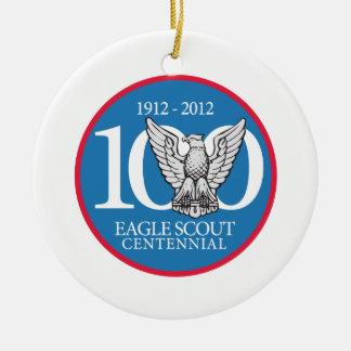 Ornamento del Centennial de Eagle Scout Adorno Navideño Redondo De Cerámica