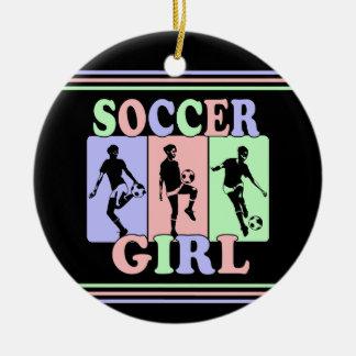 Ornamento del chica del fútbol adorno navideño redondo de cerámica