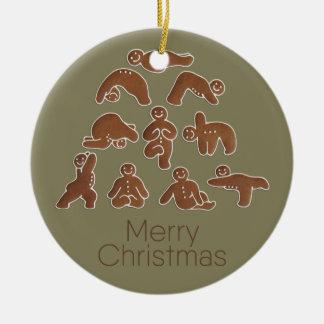 Ornamento del círculo de la yoga del hombre de pan adorno navideño redondo de cerámica