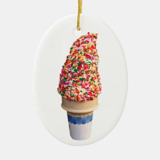 Ornamento del cono de helado adorno navideño ovalado de cerámica