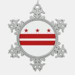 Ornamento del copo de nieve con la bandera del adorno de peltre en forma de copo de nieve