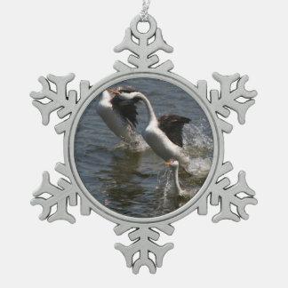 Ornamento del copo de nieve del Grebe de Clarks Adorno De Peltre En Forma De Copo De Nieve