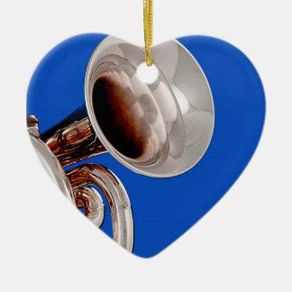 Ornamento del corazón de la trompeta ornamente de reyes