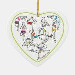 Ornamento del corazón de la yoga adorno navideño de cerámica en forma de corazón