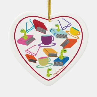 Ornamento del corazón del gusano de libro adorno de cerámica en forma de corazón