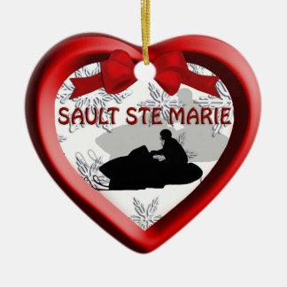 Ornamento del corazón del Snowmobile de Sault Ste Adornos De Navidad