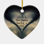 Ornamento del corazón del tornado adorno navideño de cerámica en forma de corazón