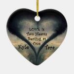 Ornamento del corazón del tornado con la fuente de adorno navideño de cerámica en forma de corazón