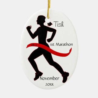 Ornamento del corredor de maratón de la mujer en r ornamentos para reyes magos