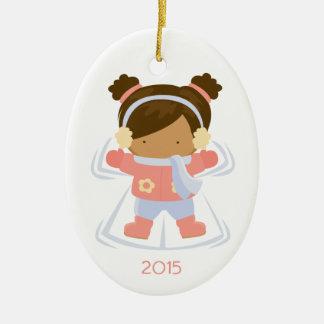 Ornamento del día de fiesta del navidad del ángel adorno ovalado de cerámica