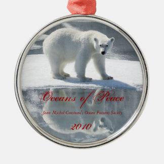 Ornamento del día de fiesta del oso polar 2010 adorno navideño redondo de metal