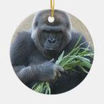 Ornamento del gorila del Silverback Ornamentos De Reyes Magos