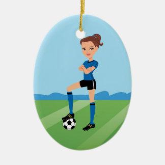 Ornamento del jugador de fútbol del chica adorno navideño ovalado de cerámica