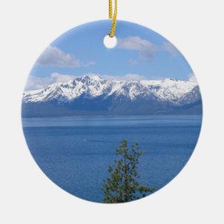Ornamento del lago Tahoe California Adorno Navideño Redondo De Cerámica