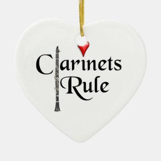 Ornamento del músico del jugador del Clarinet Adorno Navideño De Cerámica En Forma De Corazón