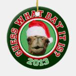 Ornamento del navidad 2013 de Santa del camello de Ornamento De Reyes Magos