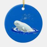 Ornamento del navidad de la ballena de la beluga adorno navideño redondo de cerámica