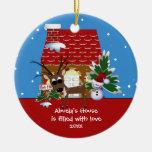 Ornamento del navidad de la casa del amor de adorno navideño redondo de cerámica
