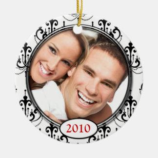 Ornamento del navidad de la foto del damasco de la adorno navideño redondo de cerámica