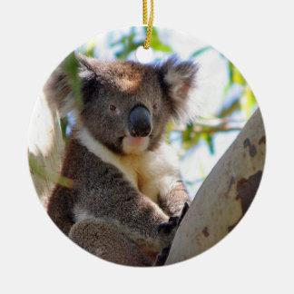 Ornamento del navidad de la koala adorno navideño redondo de cerámica