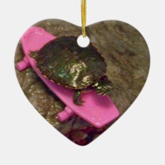 Ornamento del navidad de la tortuga del resbalador adorno navideño de cerámica en forma de corazón
