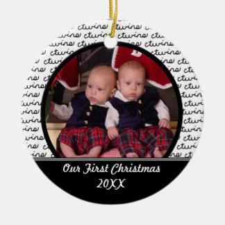 Ornamento del navidad de los gemelos del negro adorno navideño redondo de cerámica