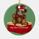 Ornamento del navidad de Shae del oso del bebé Adorno Redondo De Cerámica