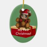 Ornamento del navidad de Shae del oso del bebé Adorno Ovalado De Cerámica
