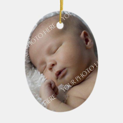 Ornamento del navidad del bebé de la foto 1r adorno ovalado de cerámica
