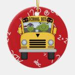 Ornamento del navidad del conductor del autobús es adorno
