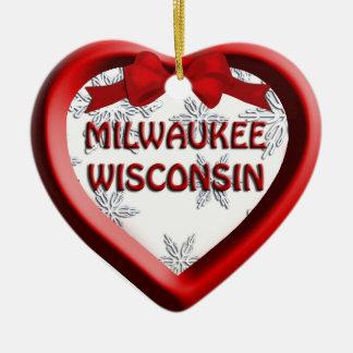 Ornamento del navidad del corazón de Milwaukee Adorno Navideño De Cerámica En Forma De Corazón