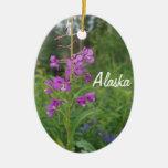 Ornamento del navidad del Fireweed de Alaska Adorno Navideño Ovalado De Cerámica