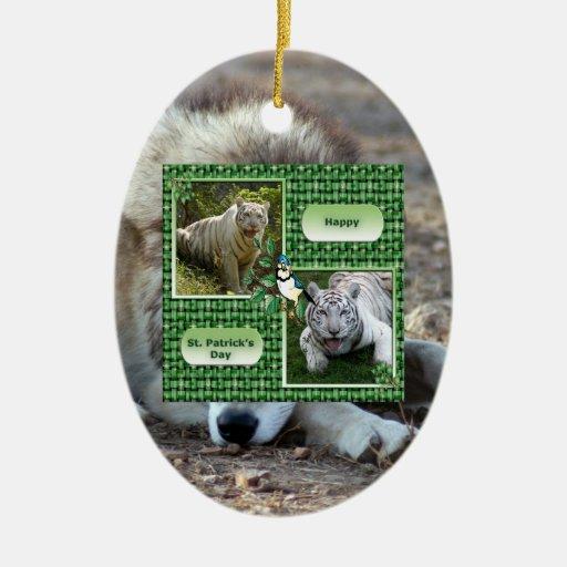 Ornamento del navidad del lobo gris adorno navideño ovalado de cerámica