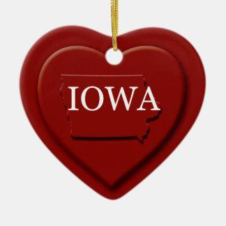Ornamento del navidad del mapa del corazón de Iowa Adorno Navideño De Cerámica En Forma De Corazón
