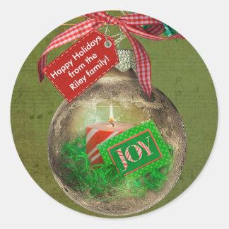 Ornamento del navidad del oro pegatina redonda