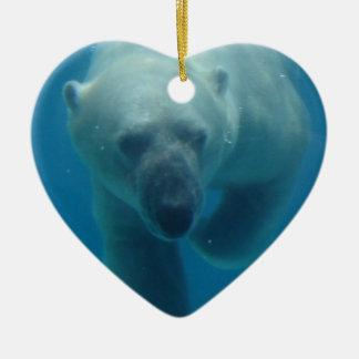 Ornamento del oso polar que nada ornamento de reyes magos