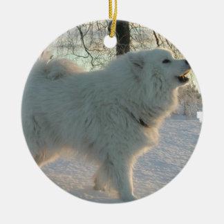 Ornamento del perro de los grandes Pirineos Adorno Navideño Redondo De Cerámica