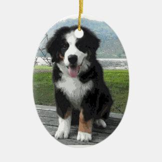 Ornamento del perro de montaña de Bernese Adorno Navideño Ovalado De Cerámica