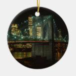 Ornamento del puente de Brooklyn Adorno Navideño Redondo De Cerámica